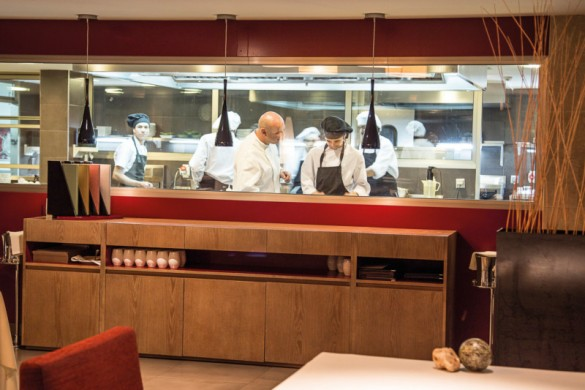 Le Restaurant Bou, dans le Top10 de «The Staff Canteen»
