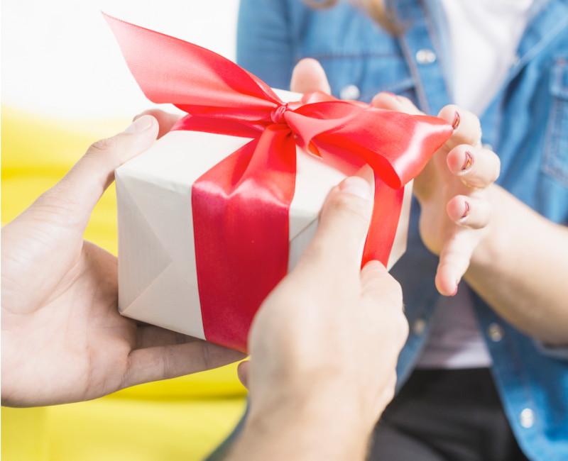 regalos-navidad-bonos-regalo. regal, Geschenk, present- cadeau